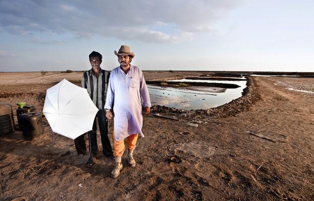 que hacer con un paraguas en el desierto del klutch